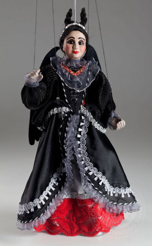 foto: Countess von Teese Marionette