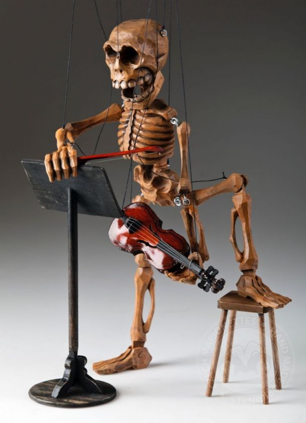 foto: Skeleton Violin Player Marionette