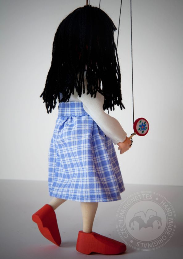 foto: Little girl Puppet