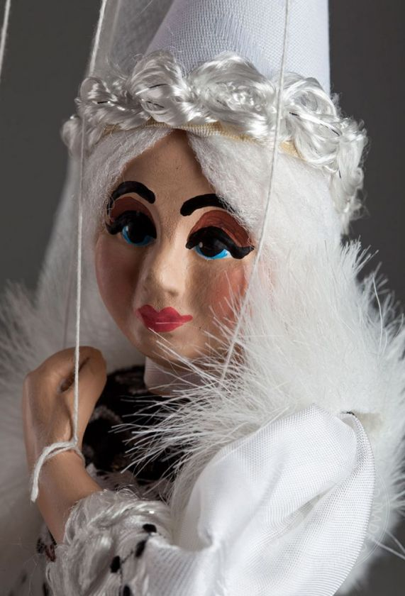 foto: White Lady Marionette