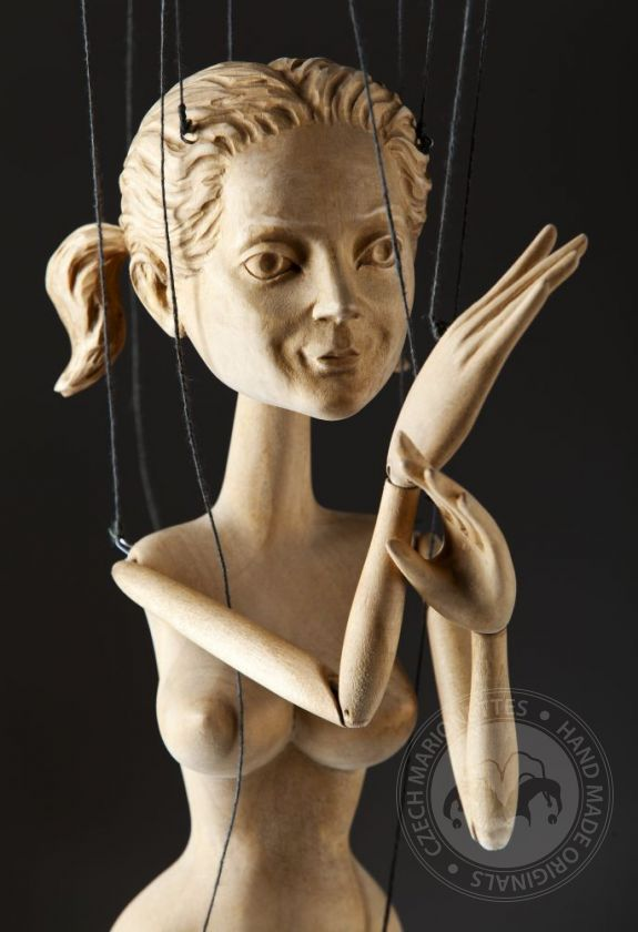 foto: Nymph – hand carved