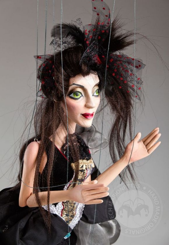 Concubine Ruby handcarved Marionette