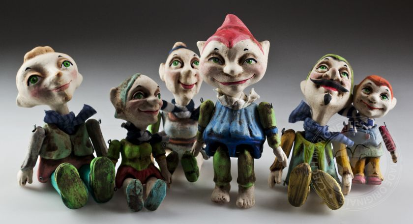 foto: Group of Lucky Gnomes Figurines