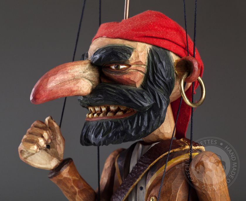 foto: Pirate Captan Morgan Wooden Hand Carved Marionette