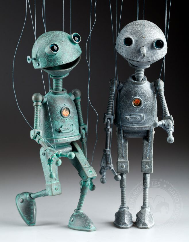 Robots in love - string puppets Ona and On