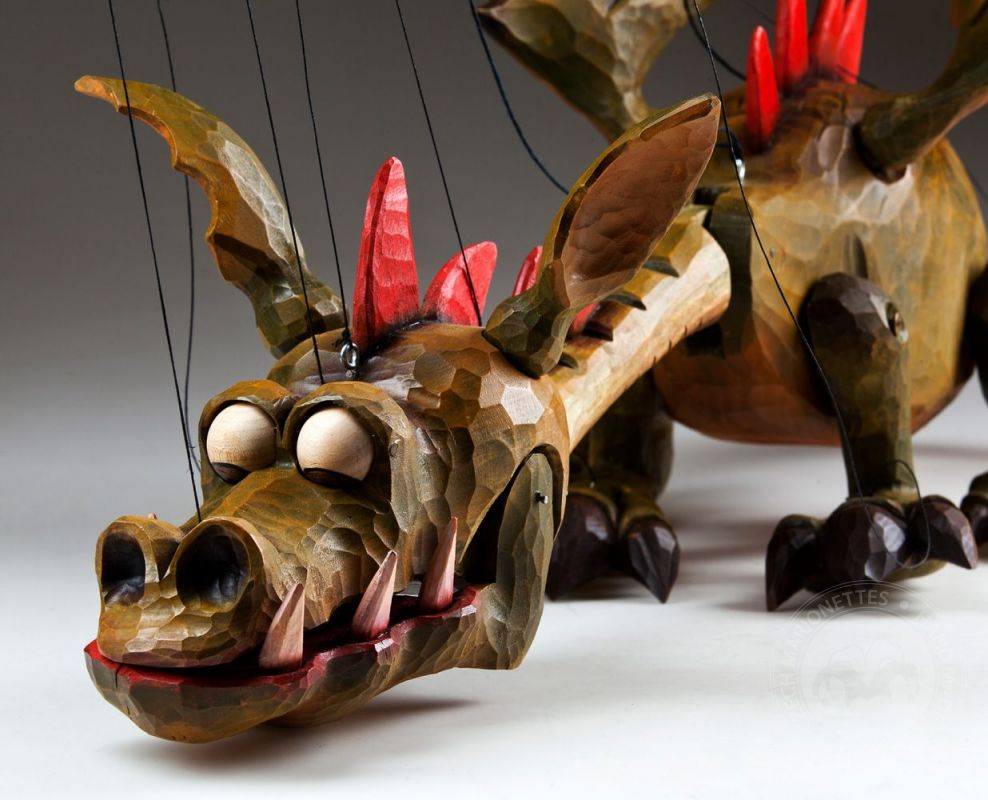 how to make a dragon hand puppet