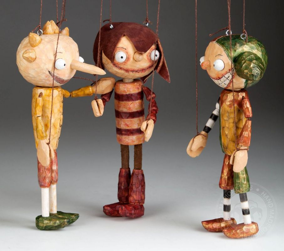Risultati immagini per marionette